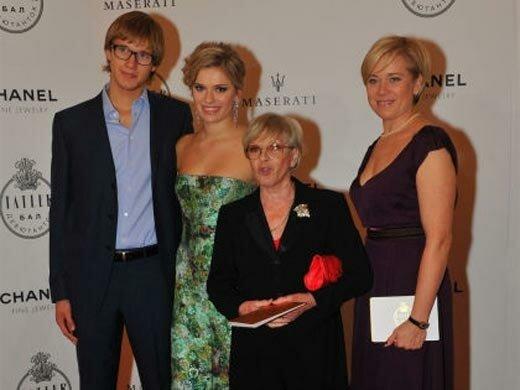 Фото: Варвара с мамой и детьми stuki-druki.com