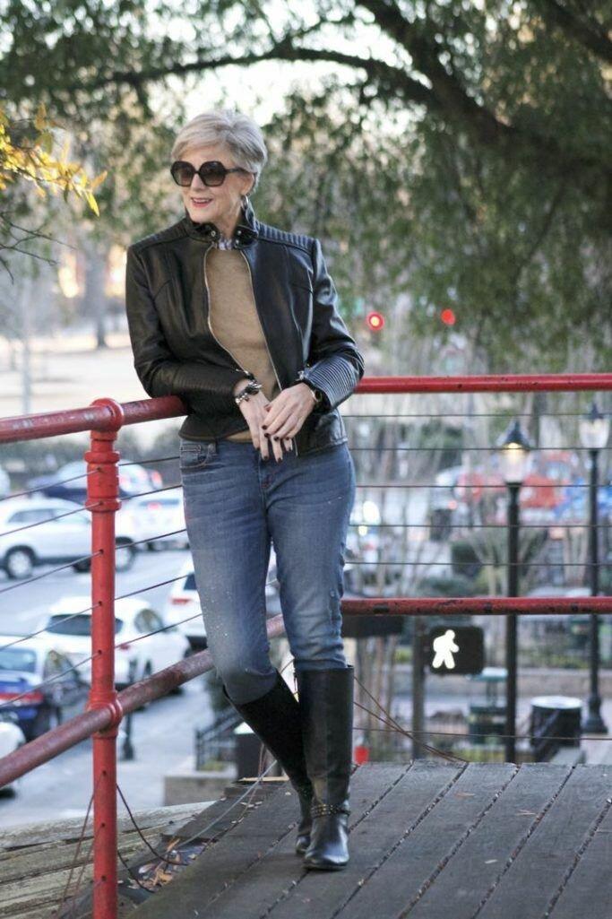 Как не надо носить джинсы в 2021 году, чтобы не портить впечатление о себе