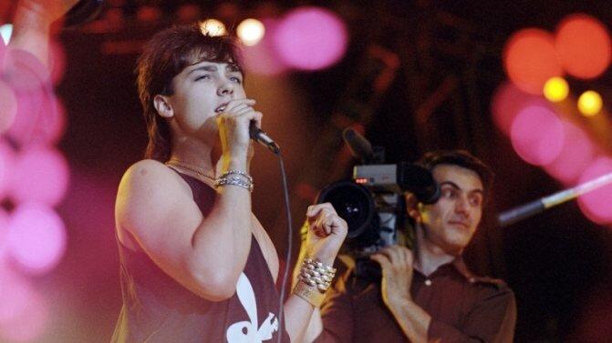 Юрий Шатунов на сцене. Источник фото: beerhead-bar.ru