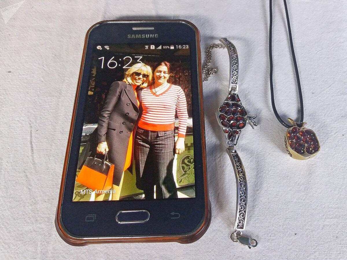 Серебряные украшения из Армении и новый стиль «бабушки-стройняшки» Брижит Макрон