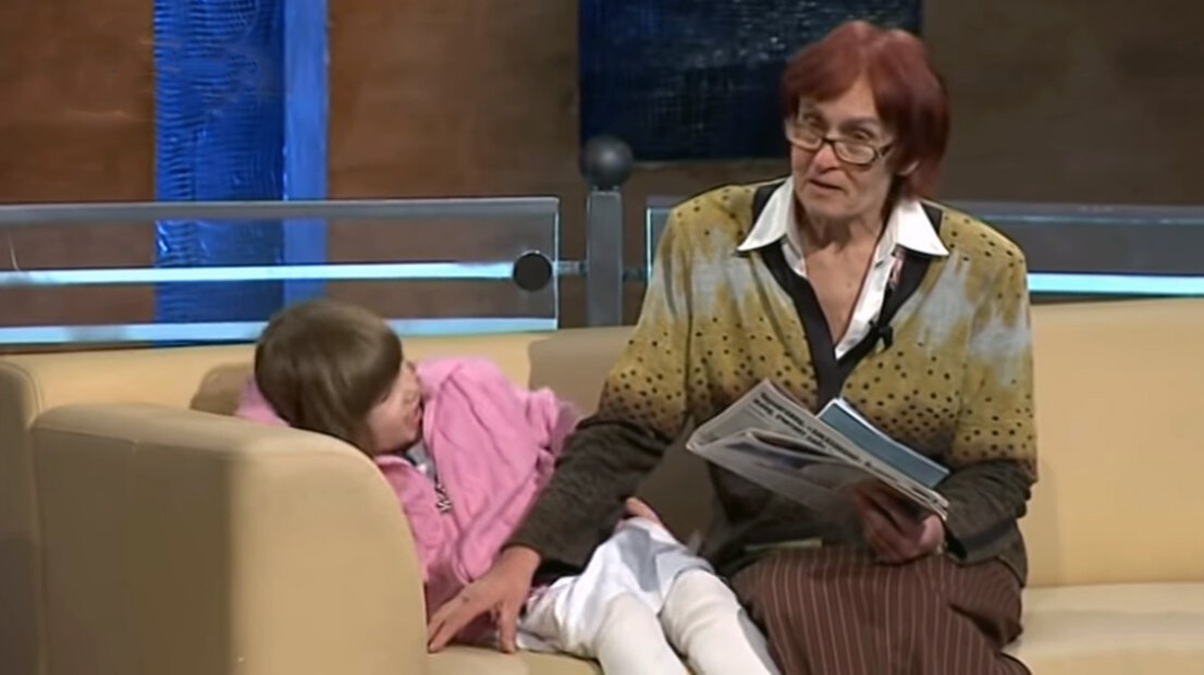 Фото из сети. Кадр из передачи с участием Валентины и её дочери