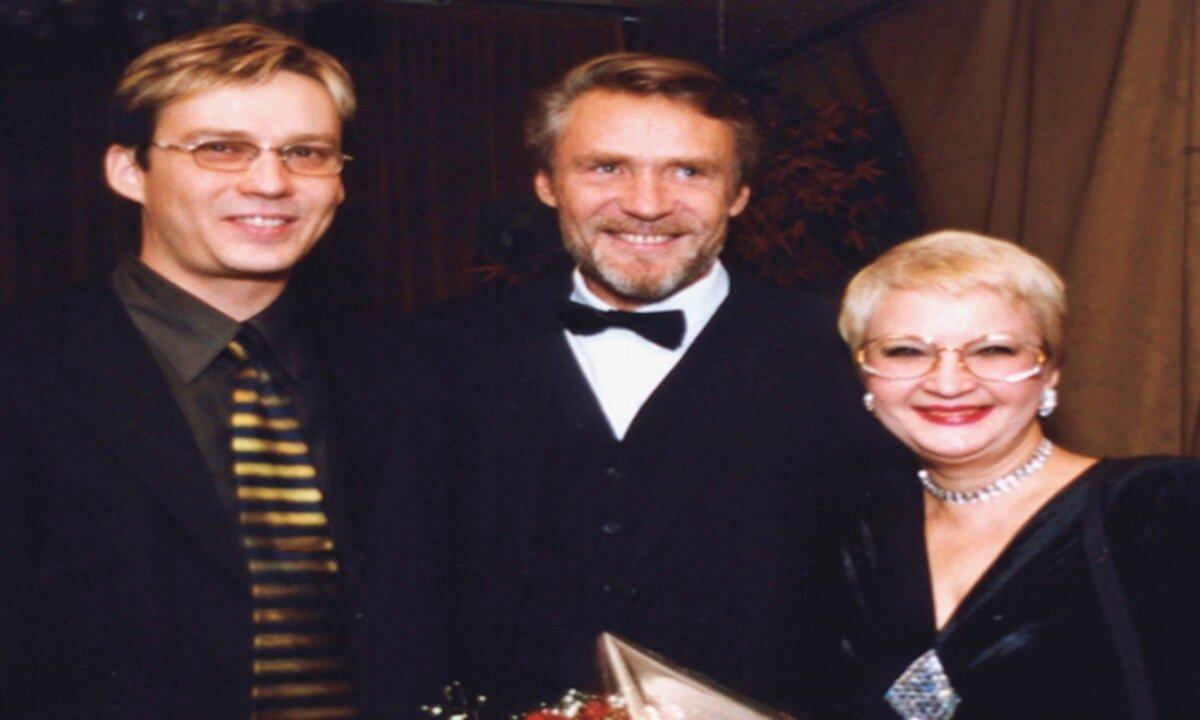 Александр Михайлов, сын Константин и первая жена Вера Мусатова